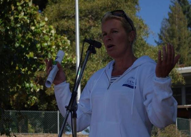 Mayor Hilary Bryant thanks participants for coming out to the San Lorenzo River Paddle. Photo by Melissa Foley.