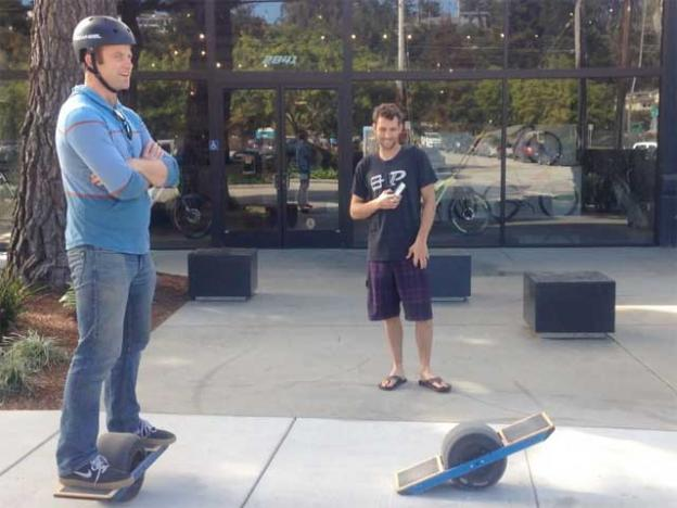 Onewheel Creator Kyle Doerksen With A Fan Outside Future Motion S Santa Cruz Headquarters