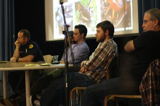 From left to right, panelists Lono Barnes, Alex Jones (obscured), Will Curtis, Chris Wilmers (obscured), Drew Perkins and moderator Eric Johnson. Esther Kim photo.