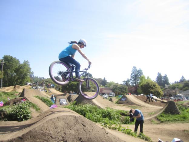 Tammy Donahugh in the 2014 Sugar Showdown at Santa Cruz Mountain Bike Festival.