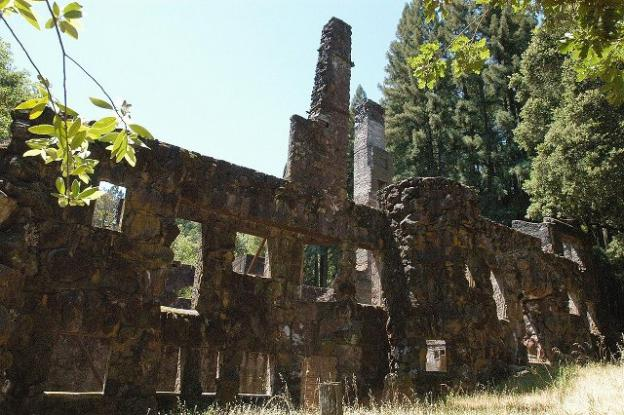 Wolf House Ruins at Jack London State Historic Park. Photo by Jerrye and Roy Klotz MD/Creative Commons