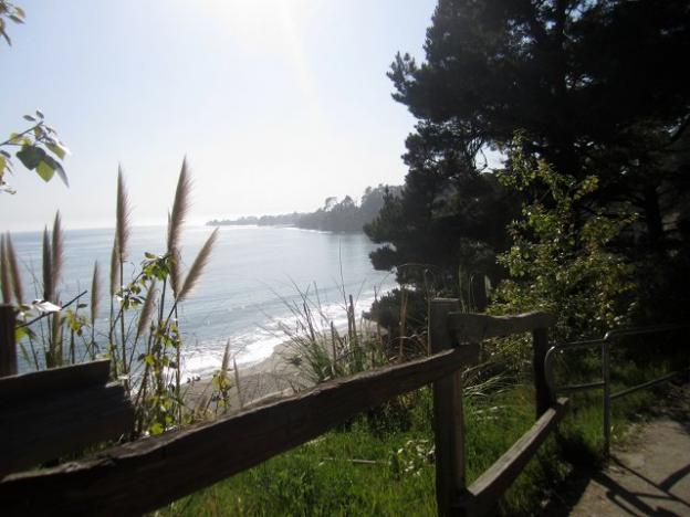 Looking toward Capitola from the pavilion area. Hilltromper photo.