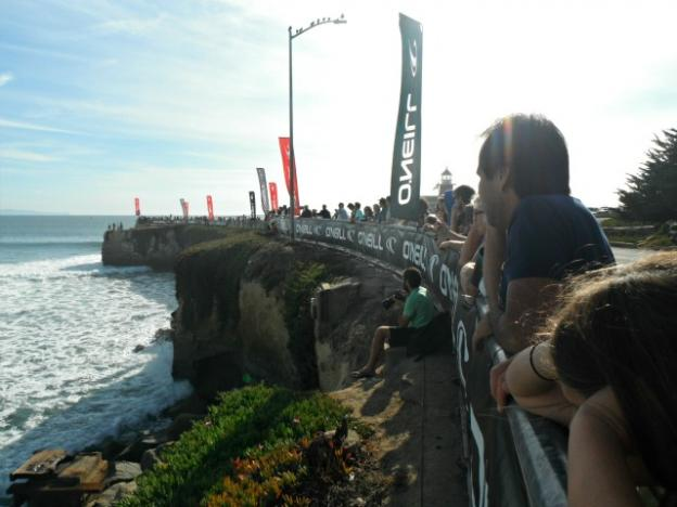 Locals and visitors cheering on the surfers of the CWC. Photo by Hanae Armitage