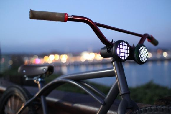 Designed in Santa Cruz, the Nightshift bike light lets you ride into the night with style.