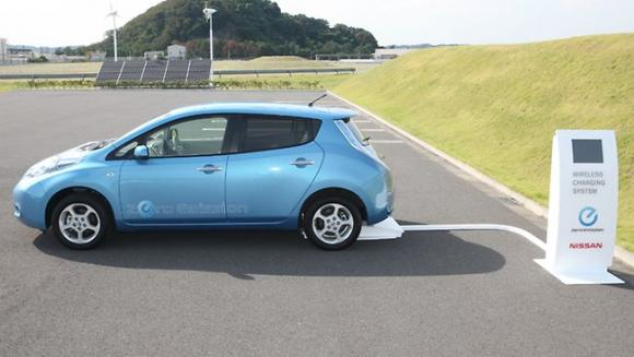 a car at a solar-driven charging station. Photo courtesy of Nissan.
