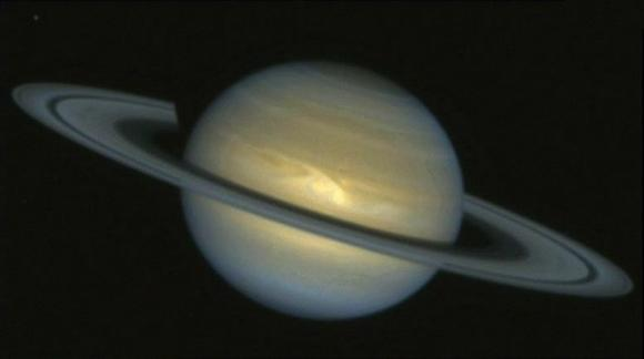 Photo of Saturn by the Hubble Space Telescope