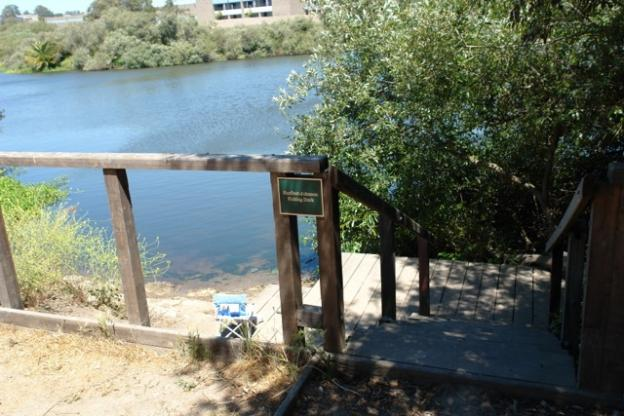 The fishing dock, accessible from a pathway near the west side trailhead.