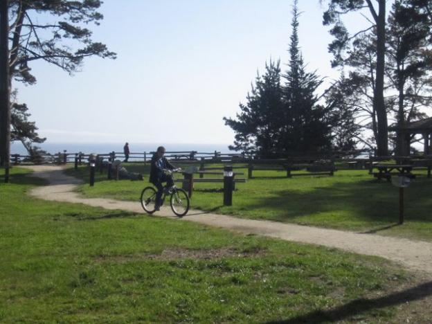 Bikes are welcome here. Hilltromper photo.